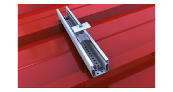 Mounting rail for trapezoidal roofs trapeze light+middle claim