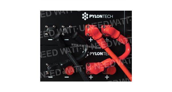 Batterie Lithium Pylontech + 700 avec un Hub de communication