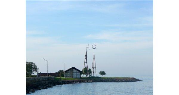 InnoVentum wind turbine wooden towers Dali