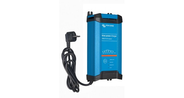 Blue Power IP22 Charger - 12/24 Volts