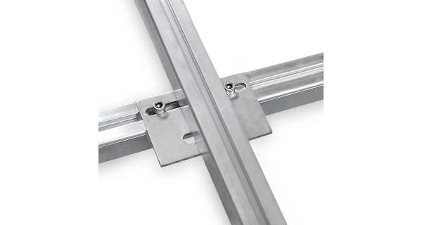 Mounting joint for solar panel rail