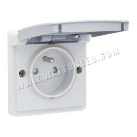 Surface-mounting socket outlet 16 A - 250 V AC