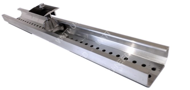 Mounting rail for trapezoidal roofs (tray roofing) +middle clamp